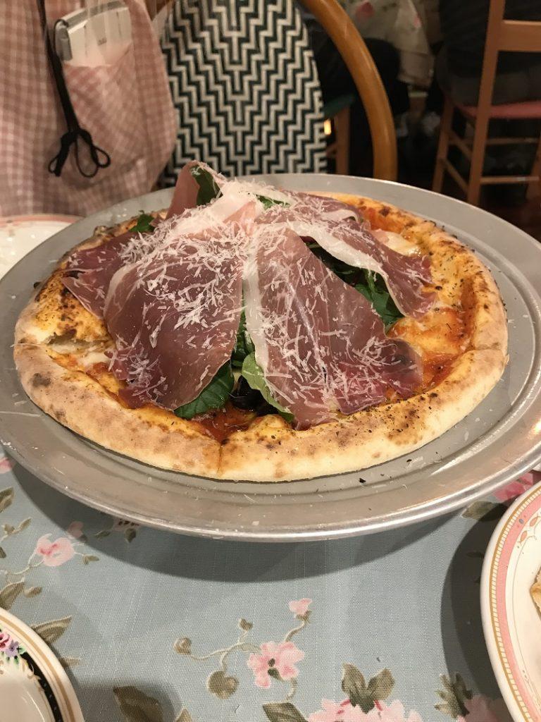 キャナリーロウのピザ